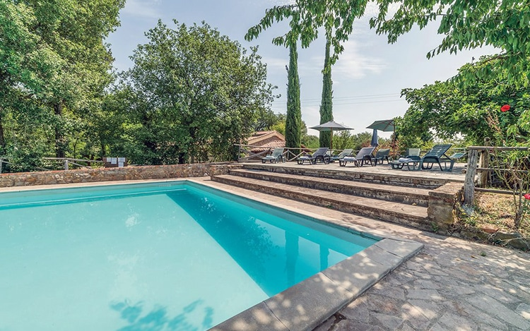 <p>Are you looking for an <strong>apartment for your holidays</strong> in the coutry side near <strong>Siena</strong> and <strong>Arezzo</strong>?</p>